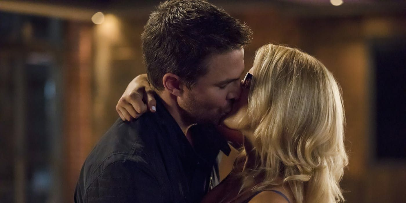 Arrow: Is Oliver & Felicity's Happy Ending Actually Kind of Depressing?