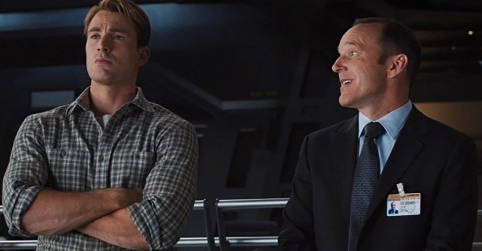 Captain Marvel Fan Has Idea to Link Coulson's Role to Avengers Movie