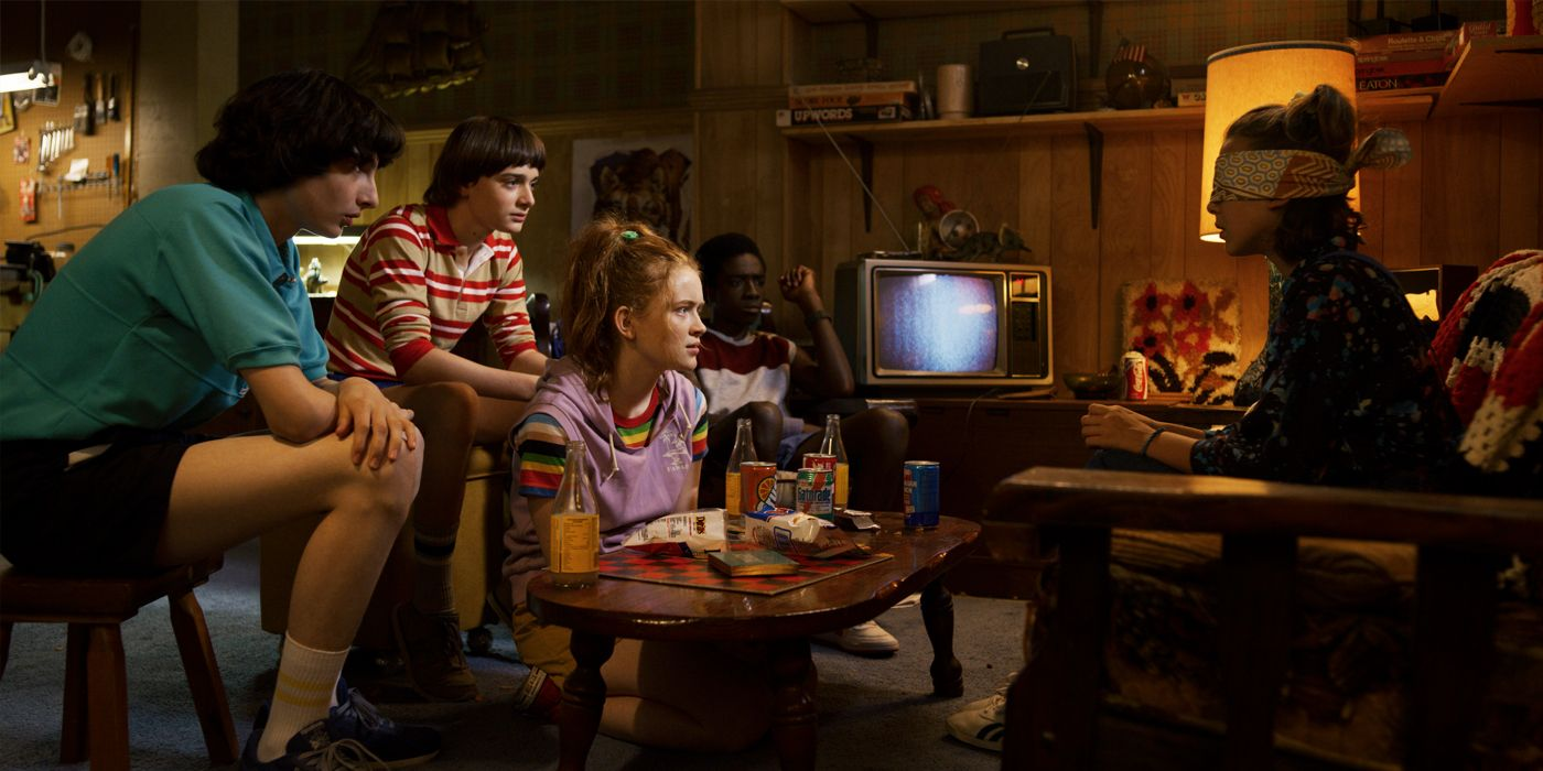 It's Official. The Cast of Stranger Things Are Terrible Gift Wrappers