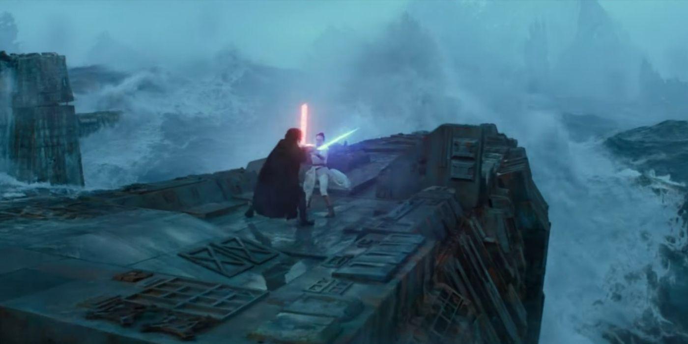 Star Wars Rey Draws Her Lightsaber On Kylo In New Rise Of Skywalker Still