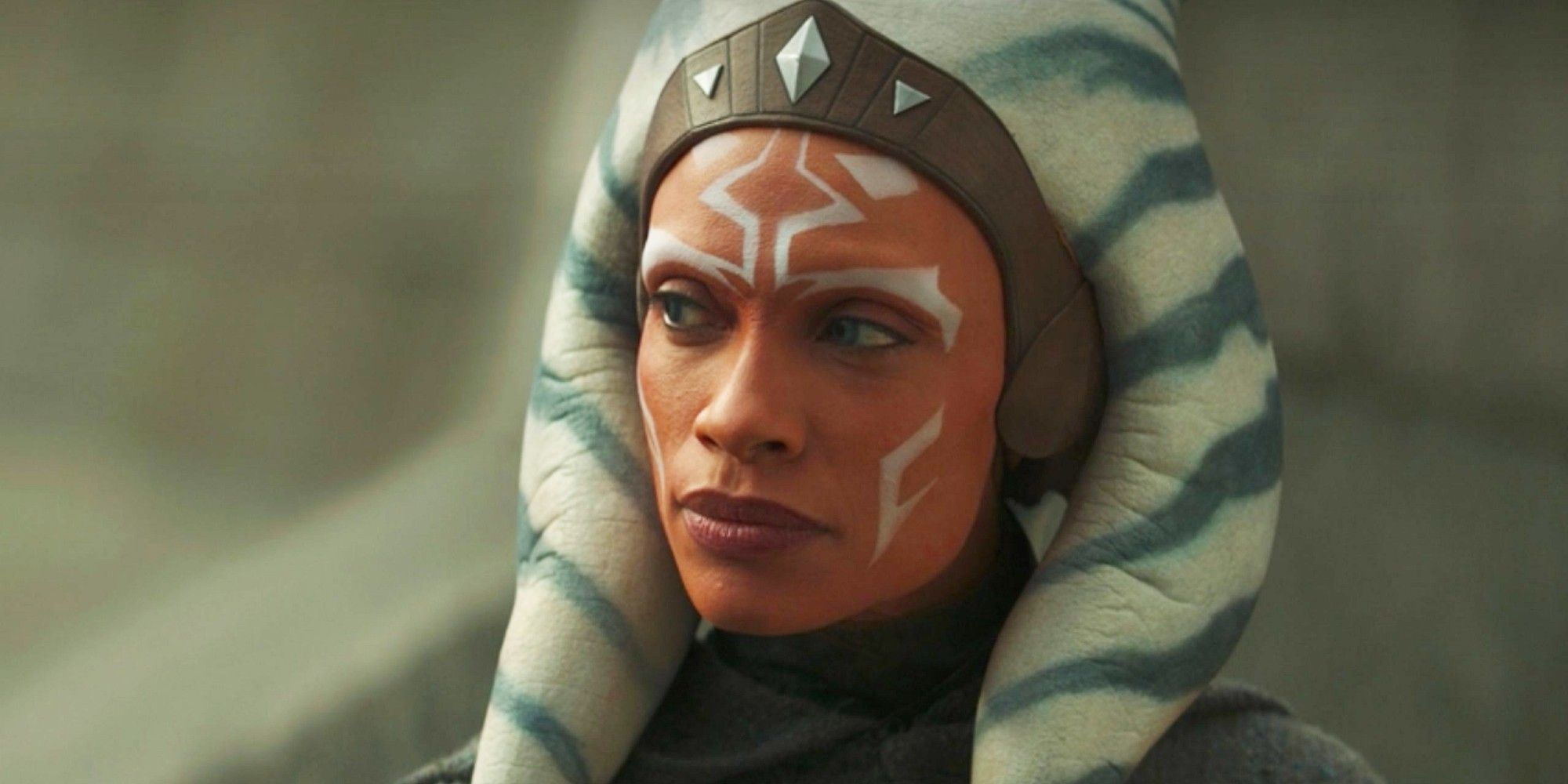 The Mandalorian: Rosario Dawson Comments Following Ahsoka Tano's Debut