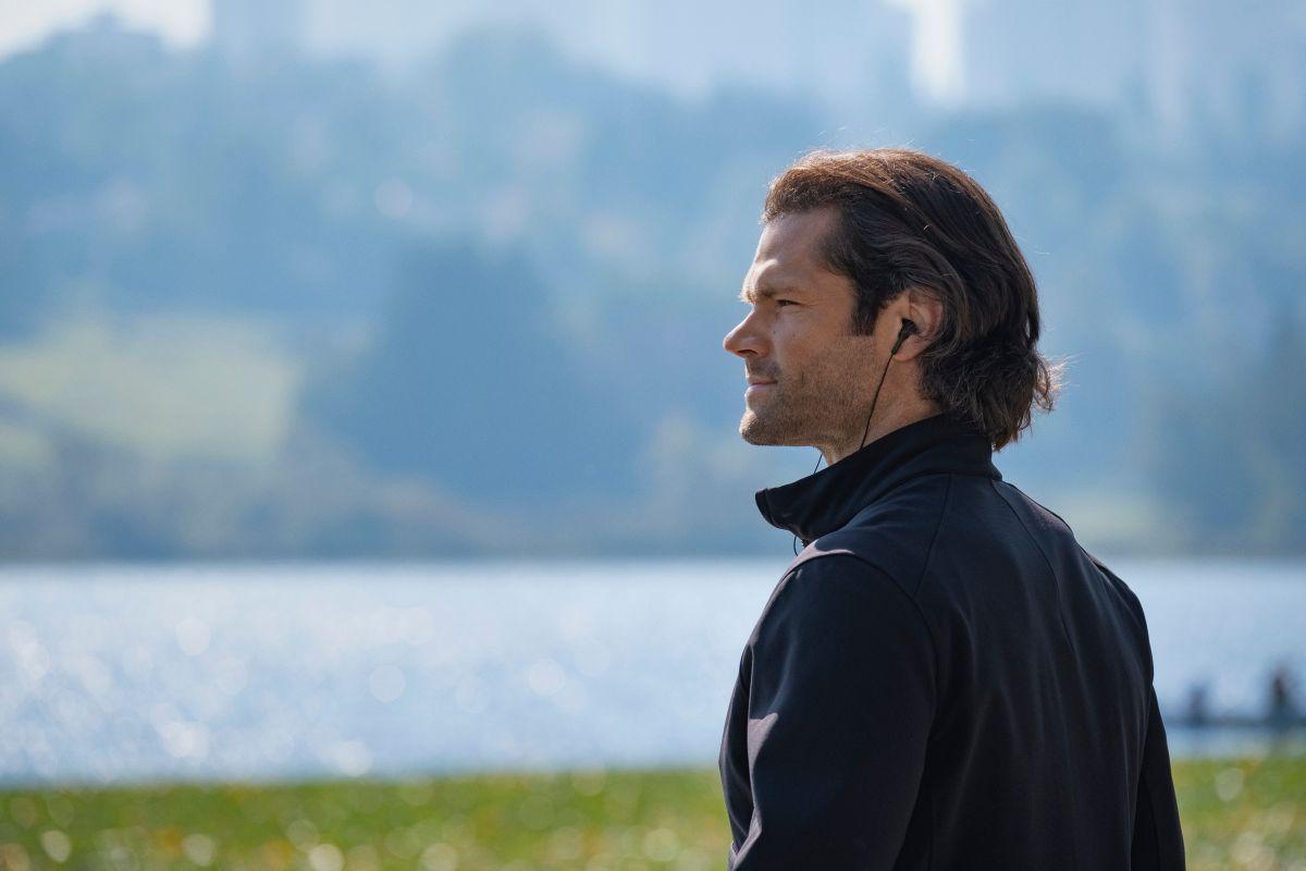 """Supernatural - """"Carry On"""" - Número da imagem: SN1520C_0193r.jpg - Na foto: Jared Padalecki como Sam - Foto: Robert Falconer / The CW - © 2020 The CW Network, LLC. Todos os direitos reservados."""