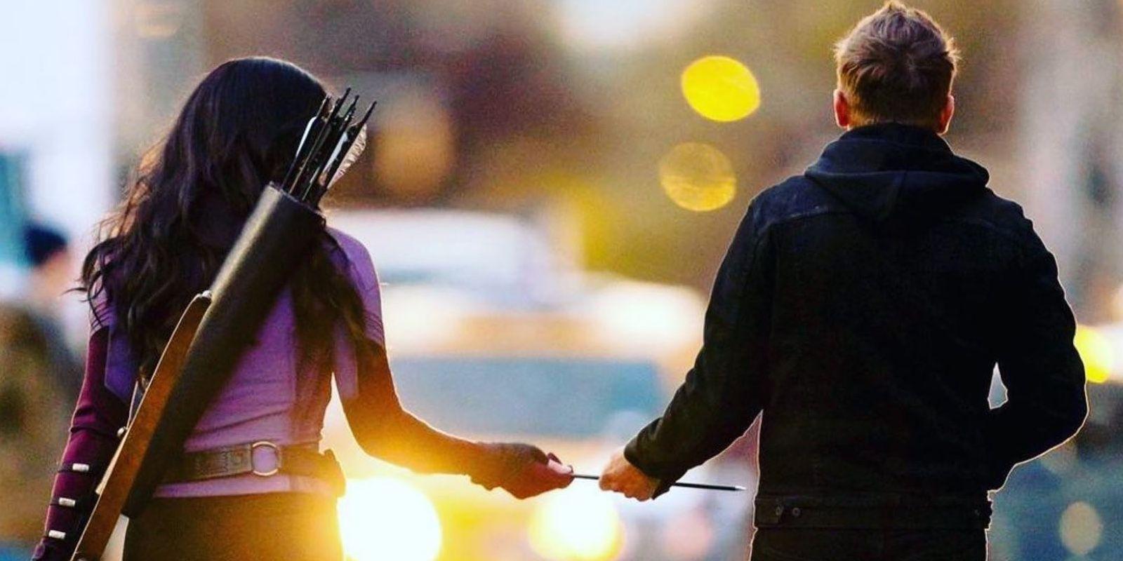 Hawkeye: Jeremy Renner Welcomes Kate Bishop to the MCU | CBR