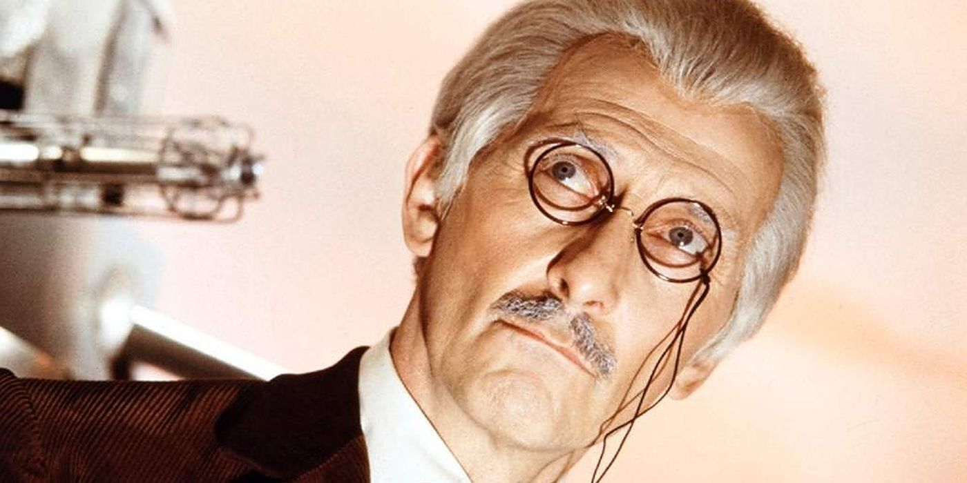 Doctor Who: The Peter Cushing Movies Aren't Canon, But They Exist in the Universe
