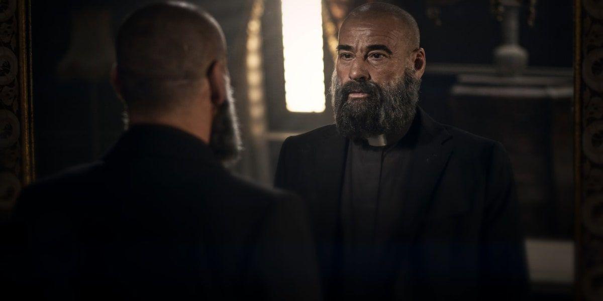 30 Coins da HBO acabaram de transformar o padre Vergara em um sacerdote guerreiro RUTHLESS 1