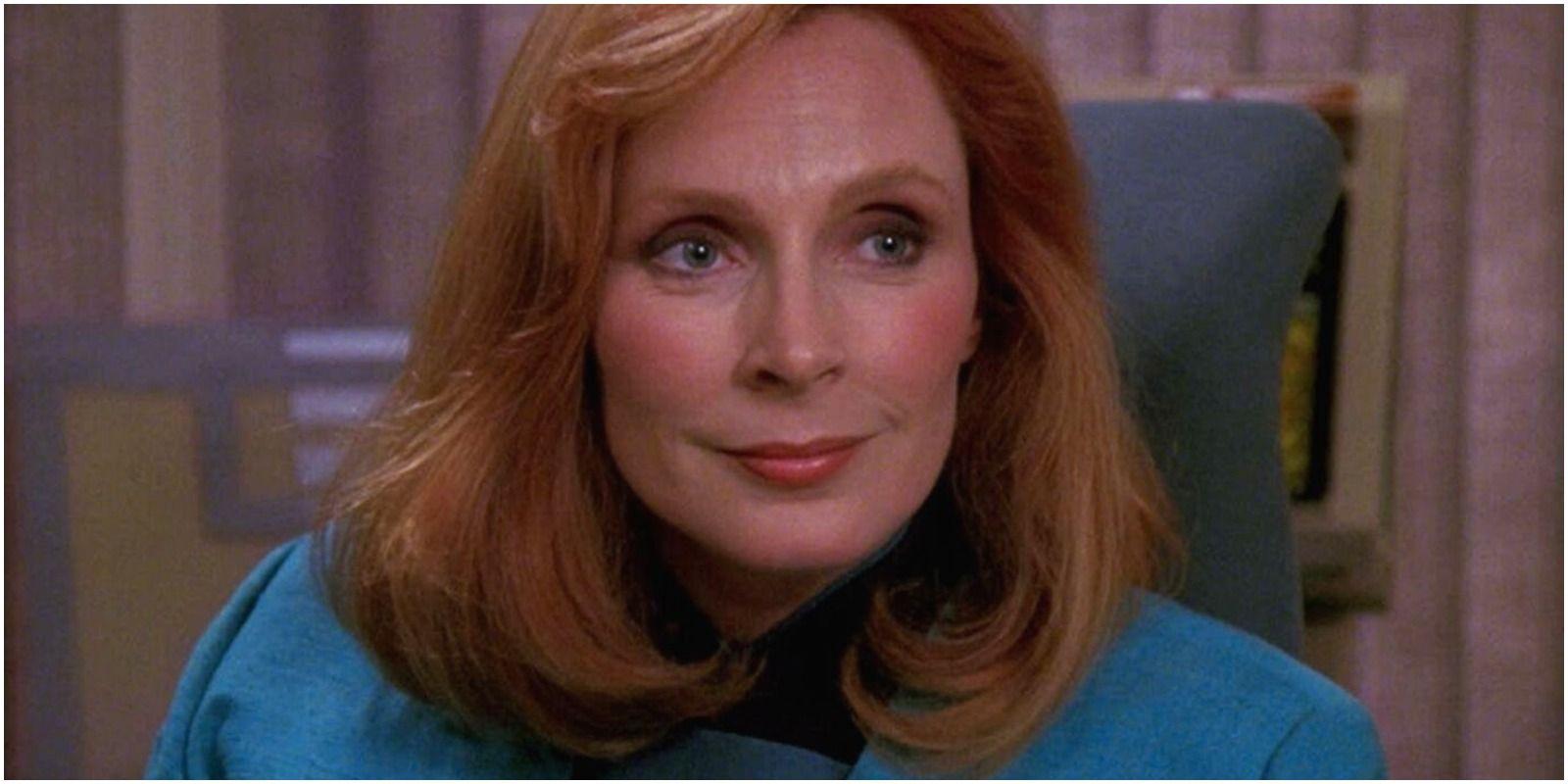 Star Trek: Beverly Crusher Nearly Exited in TNG's Pilot   CBR
