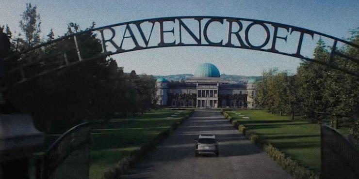 Cletus breaks Frances free from Ravencroft