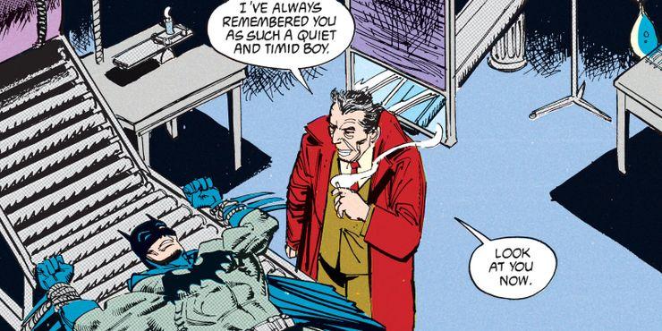 Mister Whisper de pie sobre Batman en Legends of the Dark Knight # 9 de 1990